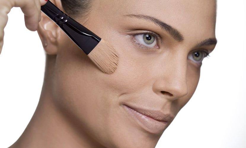 Maquillaje de base piel mixta