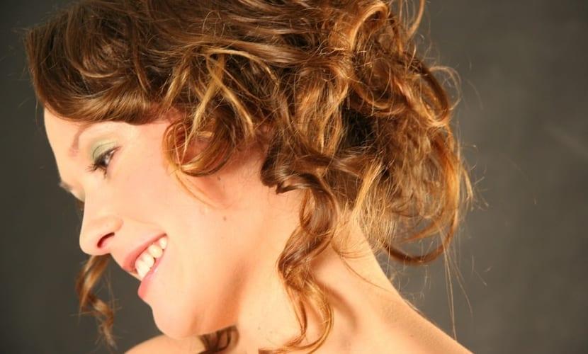 Peinados recogidos para pelo ondulado