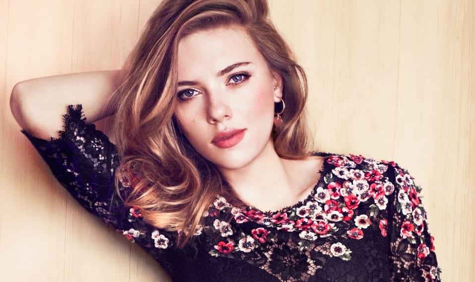 Scarlett-Johansson-las-prendas-clave-de-su-look