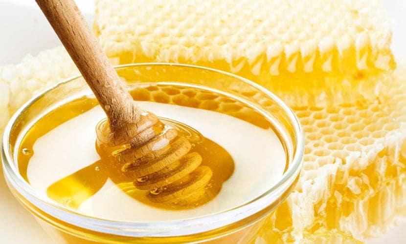 Mascarillas caseras para la piel seca con miel