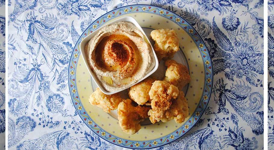 Coliflor crujiente con hummus