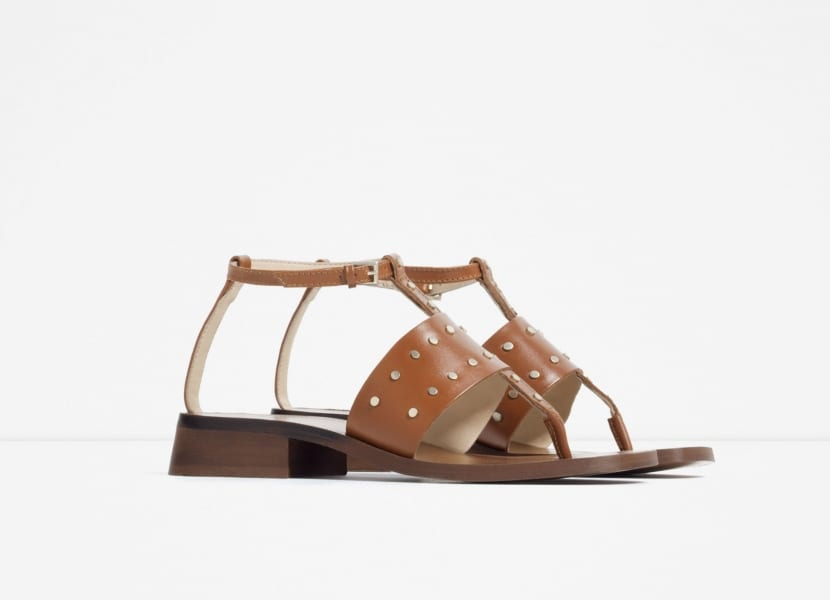 Sandalias en marrón