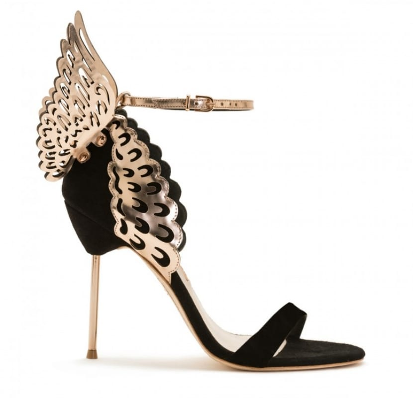 Zapato en negro y dorado