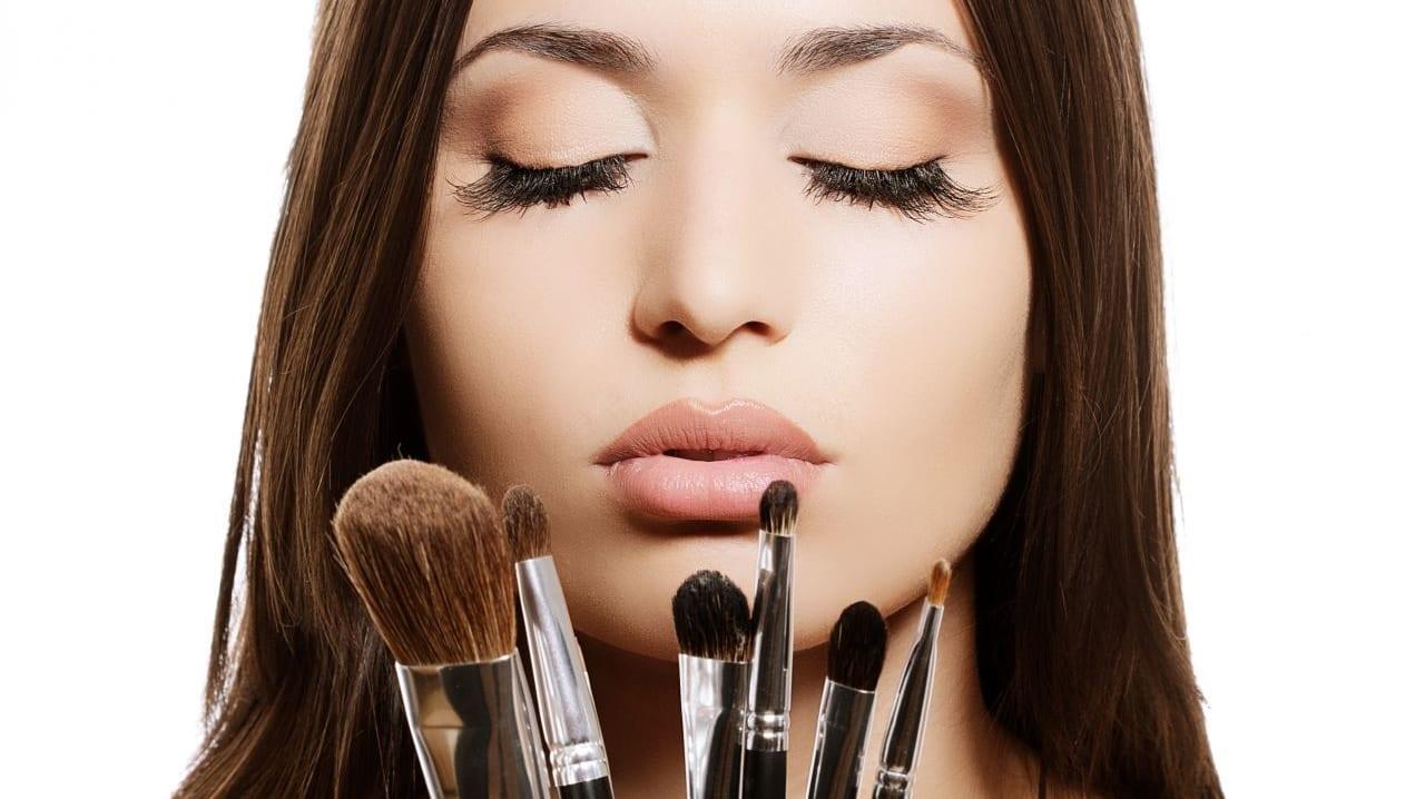 Cuatro-maquillajes-prácticos-y-versátiles