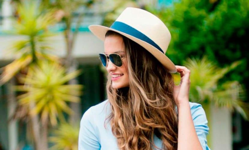 Compras de verano, el sombrero de moda