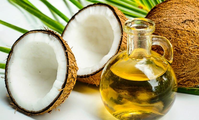 cuidados-cabello-rubio-aceite-coco
