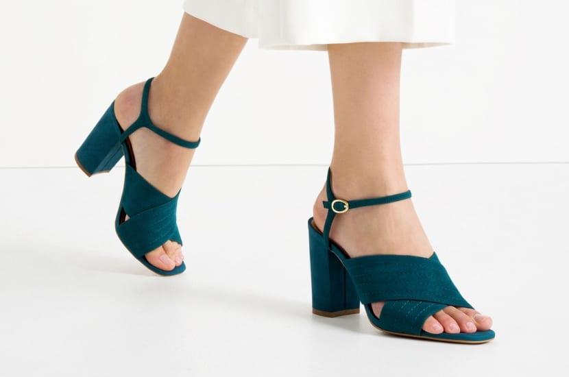 Zapatos de tacón ancho cuadrado