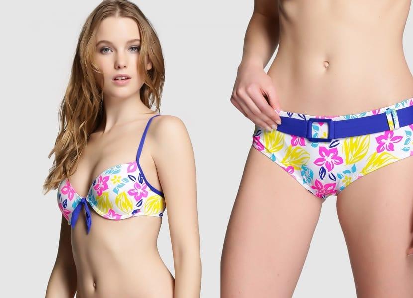 Bikini floral con cinturón