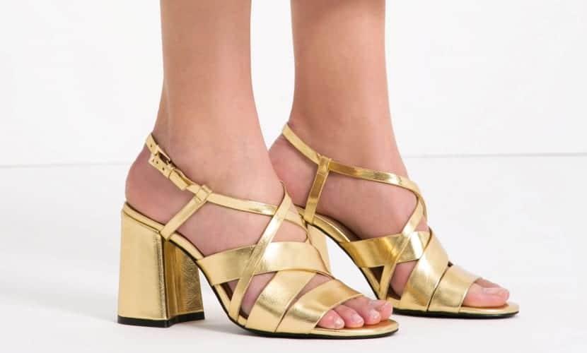 Sandalias de tacón cuadrado