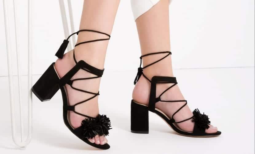 Sandalias con tiras