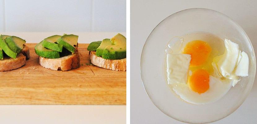 Tostadas con aguacate y huevos revueltos