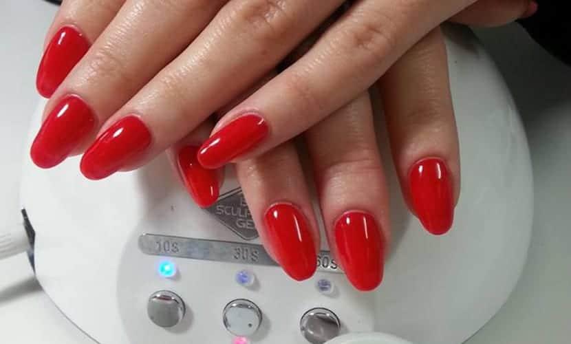Uñas de gel rojas