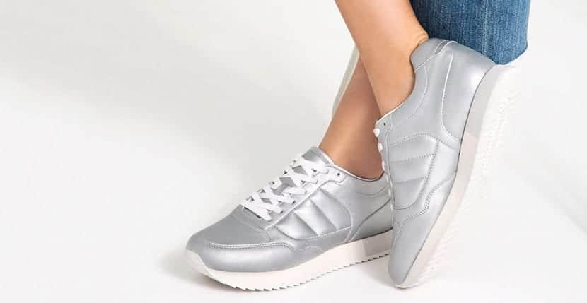Sneakers Zara plateadas