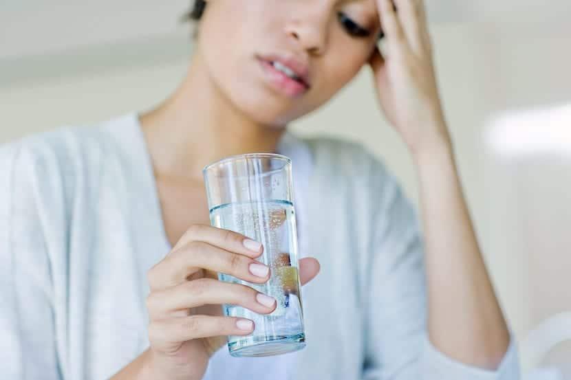 beber agua salada para la tos
