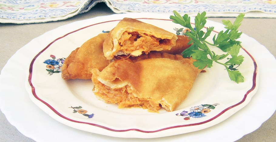 Empanadillas de atún, huevo y tomate
