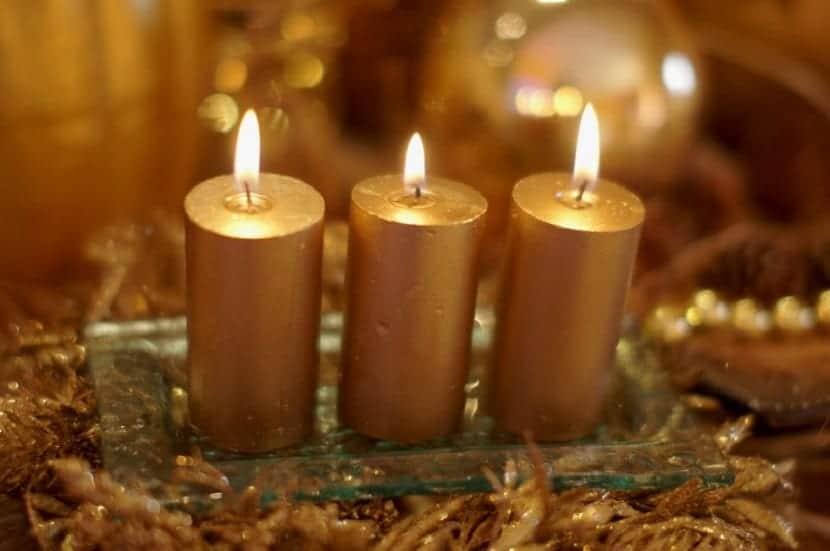como-decorar-una-mesa-para-comidas-o-cenas-navidenas-4
