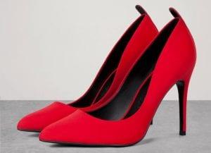 Zapatos de tacón en rojo