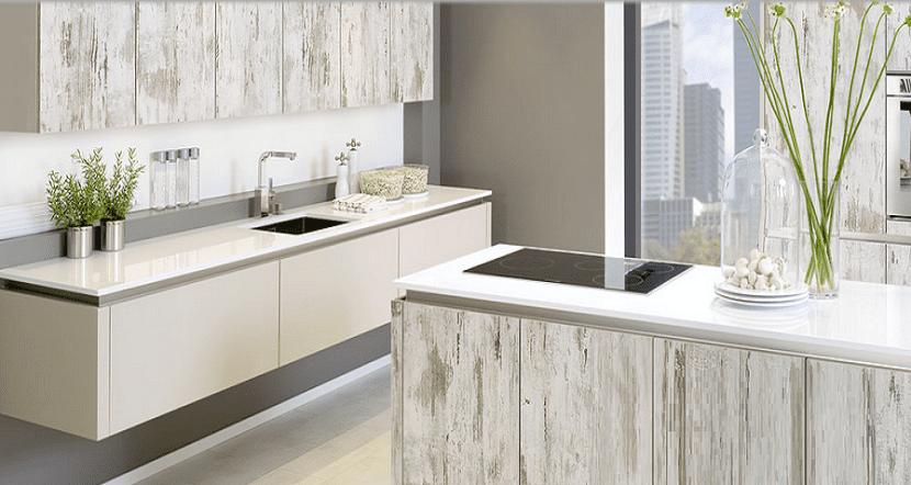 Da un aspecto nuevo a tu cocina sin cambiar los muebles for Lo ultimo en muebles de cocina
