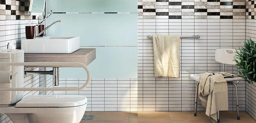 Cuarto de baño adaptado a ancianos con movilidad reducida