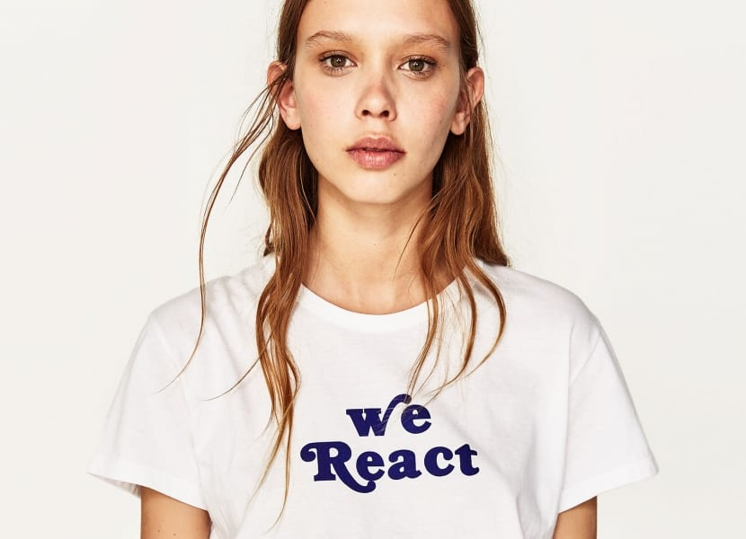 Camiseta blanca mensaje corto