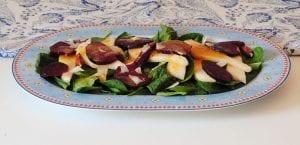 Ensalada de espinacas, pera y remolacha