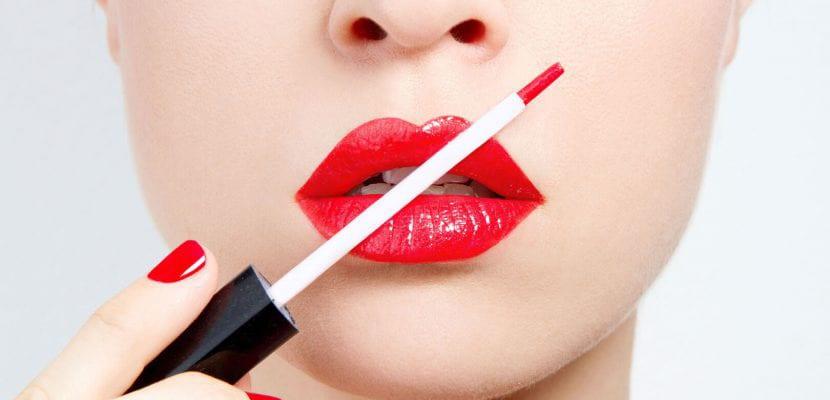 Maquillar los labios
