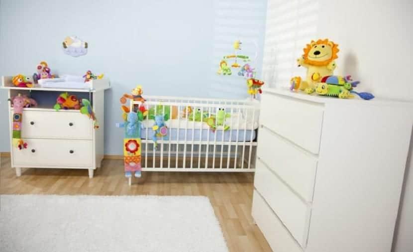 C mo decorar una habitaci n infantil sin conocer el sexo - Cortinas para bebes decoracion ...