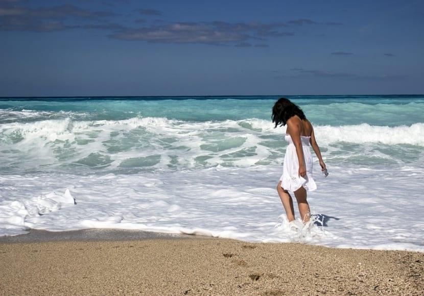 Cuidar el pelo en la playa
