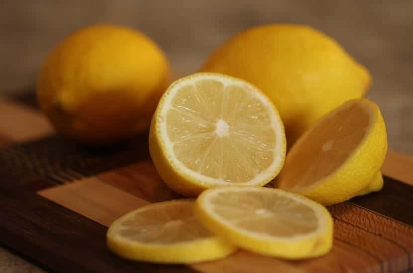 Limón para cabello graso