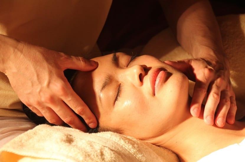 Cómo aliviar dolor de cabeza con masajes