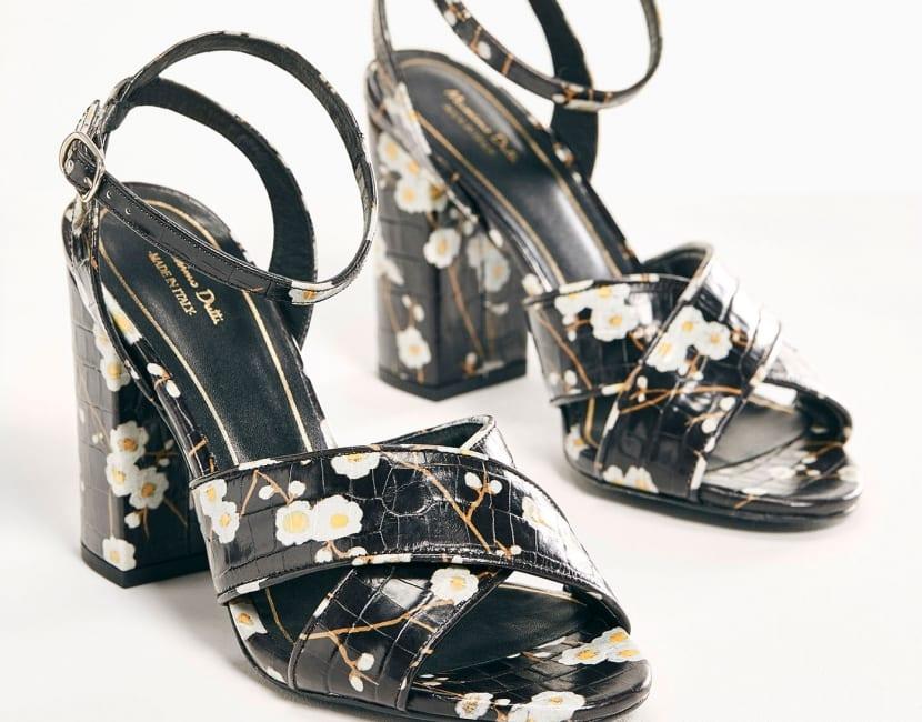 Sandalias de tacón estampadas