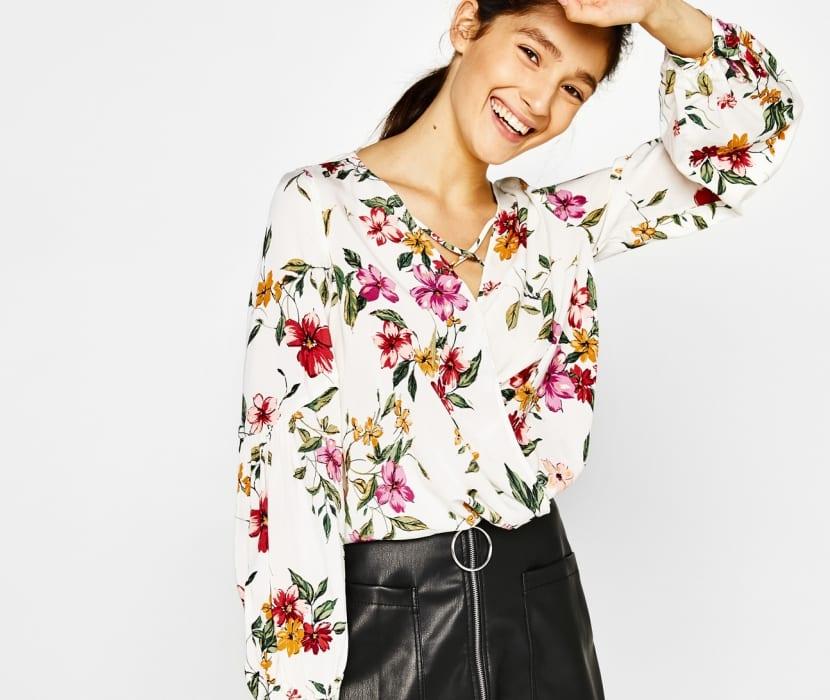 Blusas en blanco con estampados