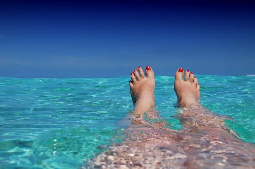 Cuidados de los pies después de tomar el sol