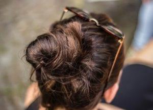 Cómo hacerte un moño en el cabello