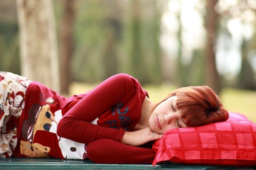 Mujer con síntomas de anemia