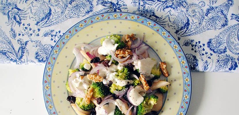 Ensalada de brócoli y pera