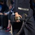 Bolso logo de Dior tendencia