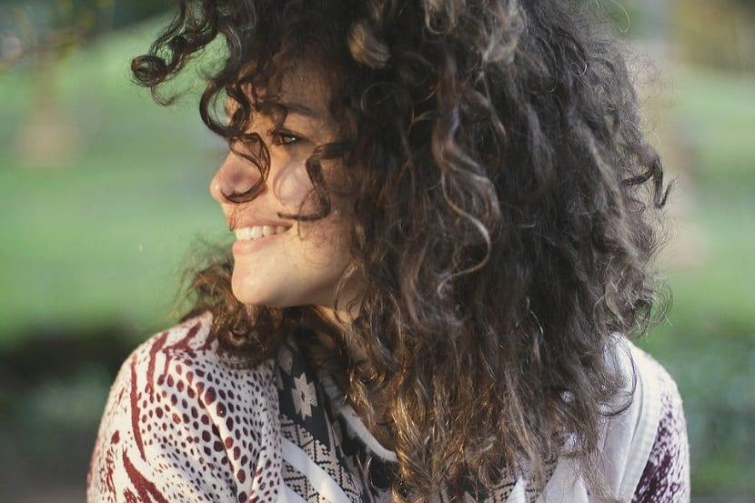Cómo ondular cabello medio o corto