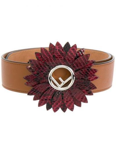 cinturon de fendi inspiración carrie bradshaw estilo