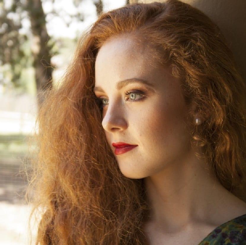 Cómo evitar el encrespamiento del pelo