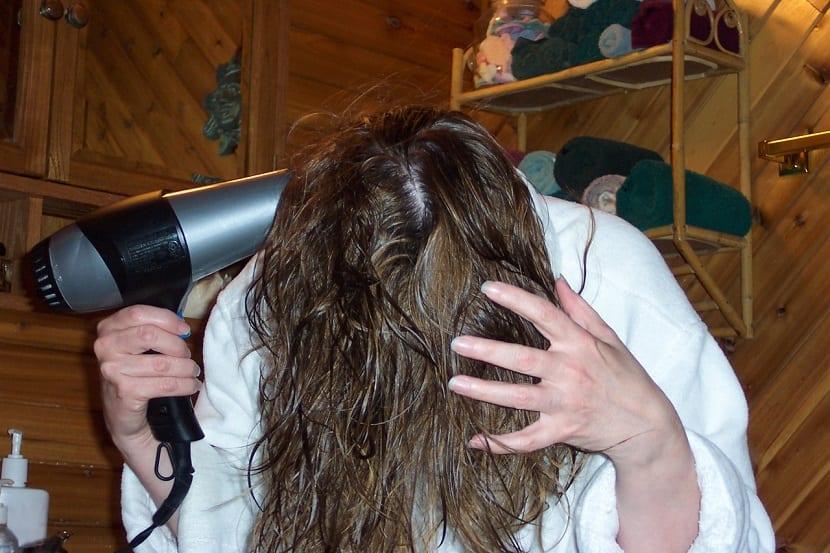 Cómo secar el cabello con difusor