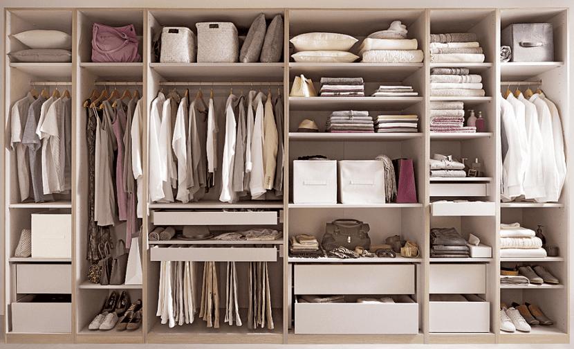 La organizaci n de los armarios conservar en buen estado la ropa - Ordenar armarios de ropa ...