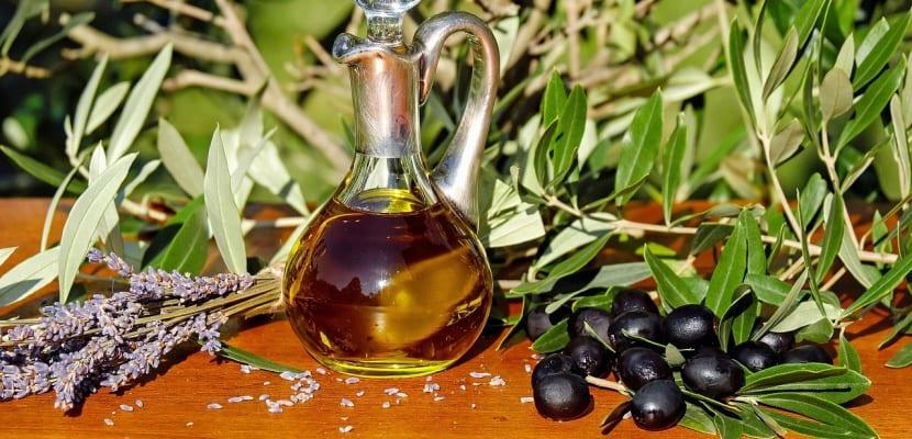 aceite de oliva en frasco