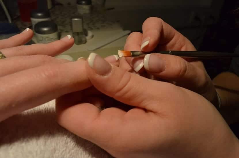 Cuidado de las uñas en la manicura