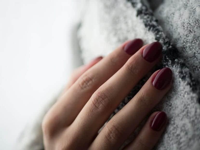 Los perfecciones trucos para cuidar las uñas