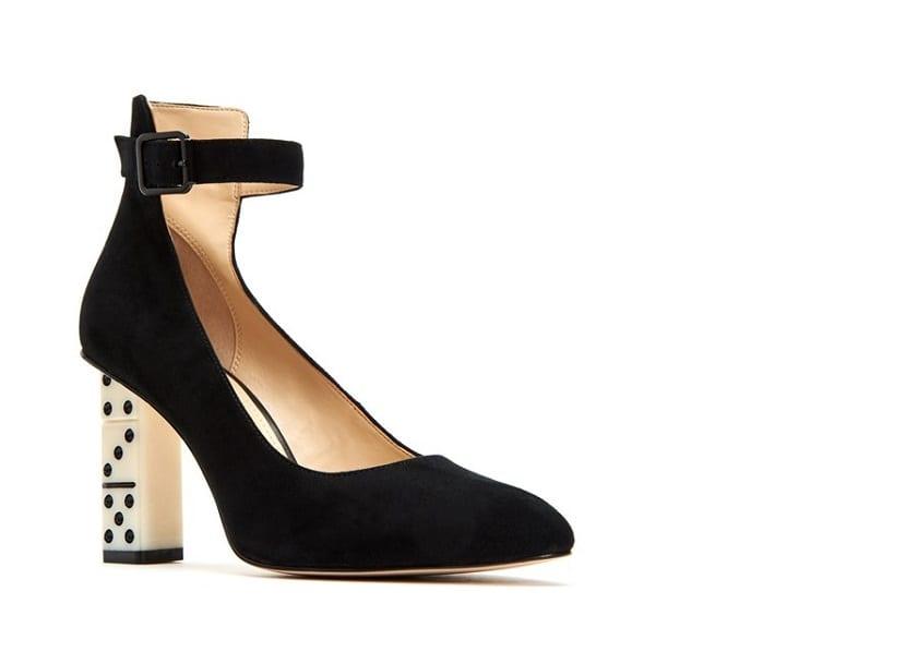 Zapatos con tacón de dominó