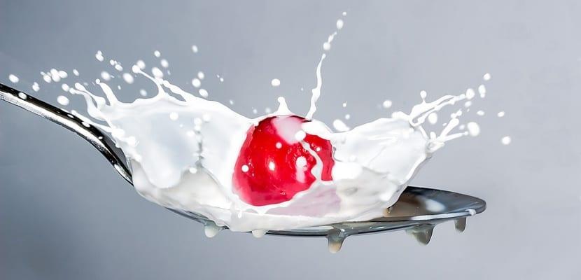 cereza con leche