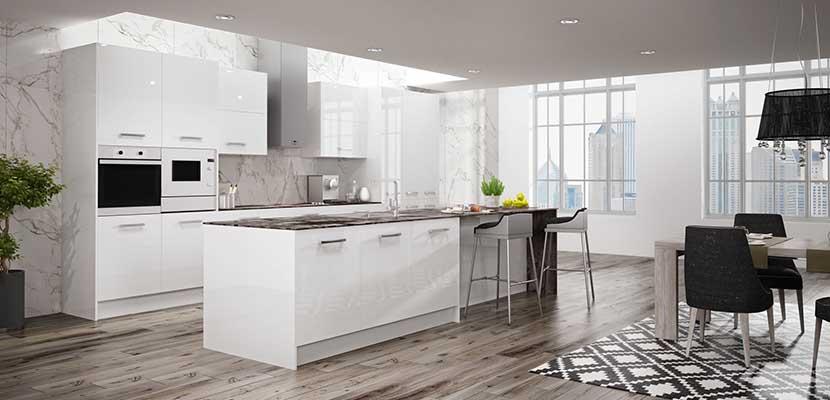 Amplia cocina blanca