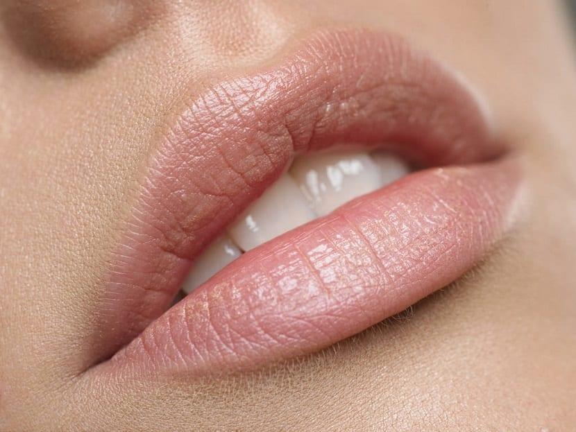 Ejercicios para agrandar labios