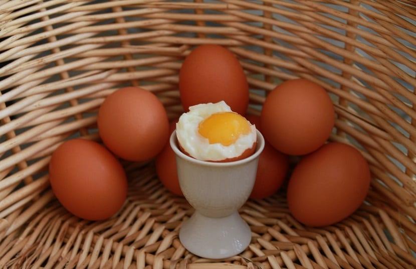 Huevos cocidos calorías